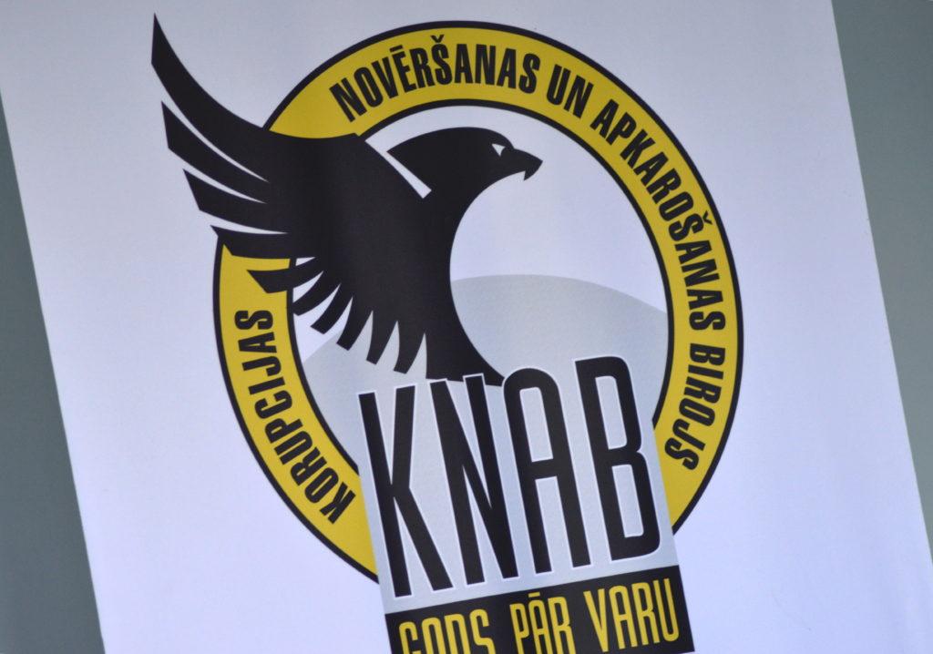 Korupcijas novēršanas un apkarošanas biroja logo.