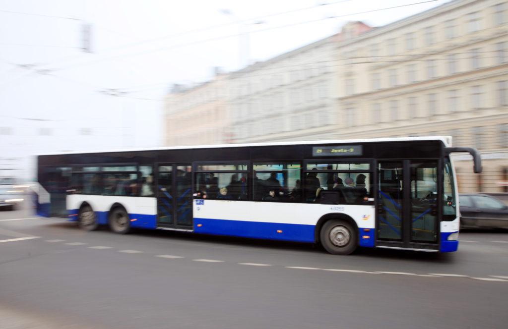 """""""Rīgas satiksme"""" autobuss."""