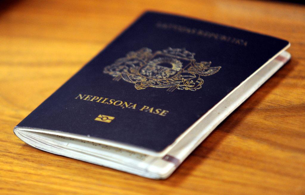 Nepilsoņa pase.