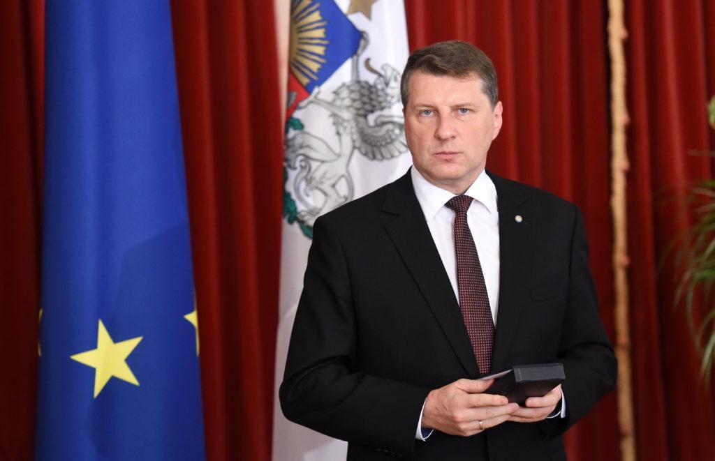 Valsts prezidents Raimonds Vējonis Latvijas valsts augstāko apbalvojumu pasniegšanas svinīgajā ceremonijā Melngalvju namā.
