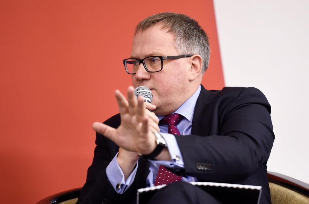 """Ekonomikas ministrs Arvils Ašeradens piedalās konferencē """"Biznesa prognozes 2017"""" viesnīcā """"Radisson Blu Daugava""""."""