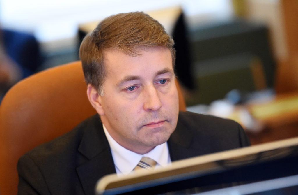 Satiksmes ministrs Uldis Augulis piedalās Ministru kabineta sēdē.