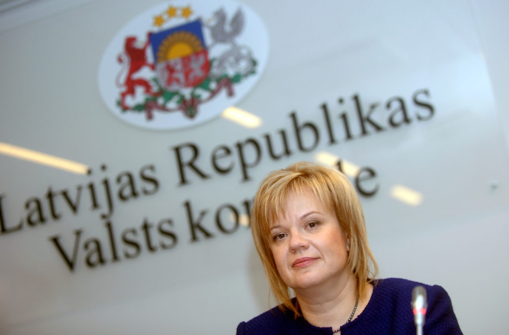 Valsts kontroliere Elita Krūmiņa piedalās preses konferencē, kurā informē par Latvijas Valsts kontroles veiktajām finanšu revīzijām Ministru kabinetā, ministrijās un to pakļautības iestādēs.