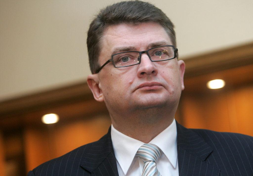 Ģenerālprokurors Jānis Maizītis pēc tikšanās ar  Augstākās tiesas priekšsēdētāju atbild uz žurnālistu jautājumiem.